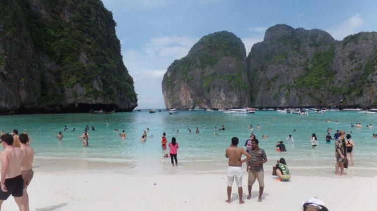 """Am fost ultima care a văzut insula lui Leonardo di Caprio: """"The Beach"""""""