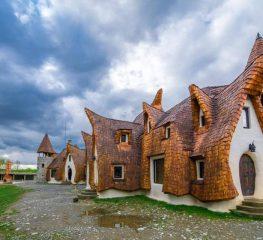 SUPERB: Castelul de lut din inima Transilvaniei, a 7-a minune turistica a lumii