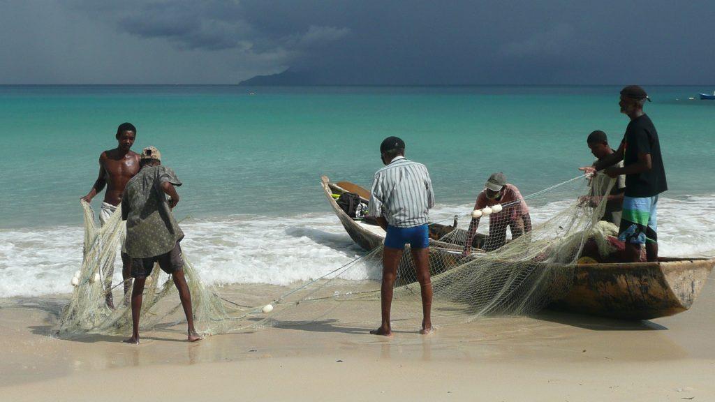 Top 12 plaje spectaculoase pe care trebuie sa le vezi o data-n viata