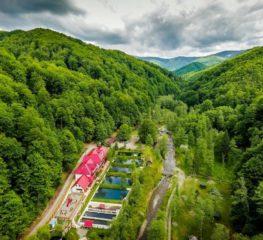 10 locuri idilice din România, mai puțin știute, unde vei regăsi gustul copilăriei