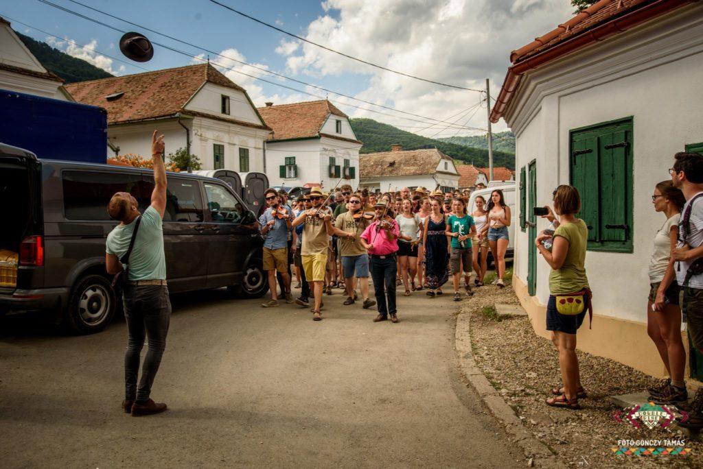 Rimetea, cel mai frumos sat al României, pe care, trebuie, neapărat, să-l vezi vara aceasta