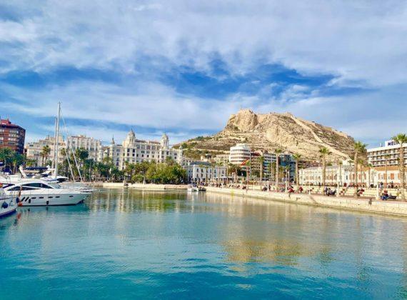 Vacanța la ofertă: 5 zile de poveste în superbul Alicante (700 lei, zbor și cazare)