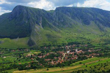Top 10 sate din România, de o frumusețe ireală, pentru o călătorie de poveste cu mașina