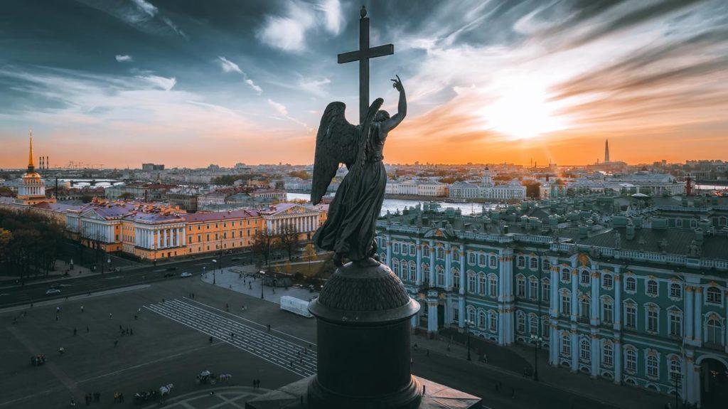 Liber la vizitat unul dintre orașele de poveste ale Europei: fără viză, la Sankt Petersburg