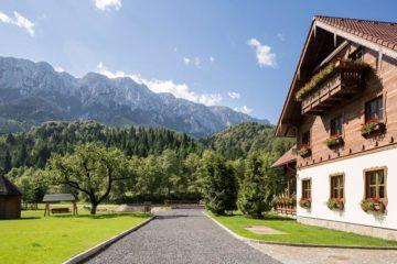 Top 10 pensiuni din România de care n-ai auzit, dar unde vei mânca bine, ca la mama acasă