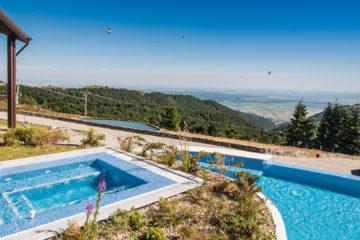 Top 10 pensiuni din România cu piscine uimitoare, pentru vara 2020