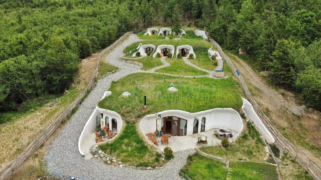 Top 5 locuri uimitoare, despre care nu ai crede că sunt în România, pentru un roadtrip cu familia