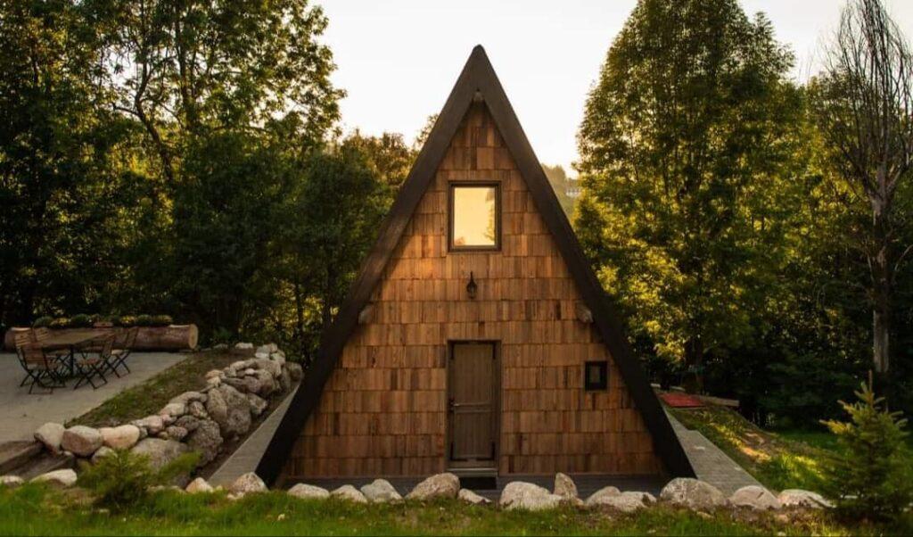 Top 10 cabane uimitoare din România, cu locuri libere, pentru un Revelion de poveste