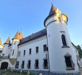 Descoperă orașul-castel, perla mai puțin știută a Transilvaniei, cu aer vienez